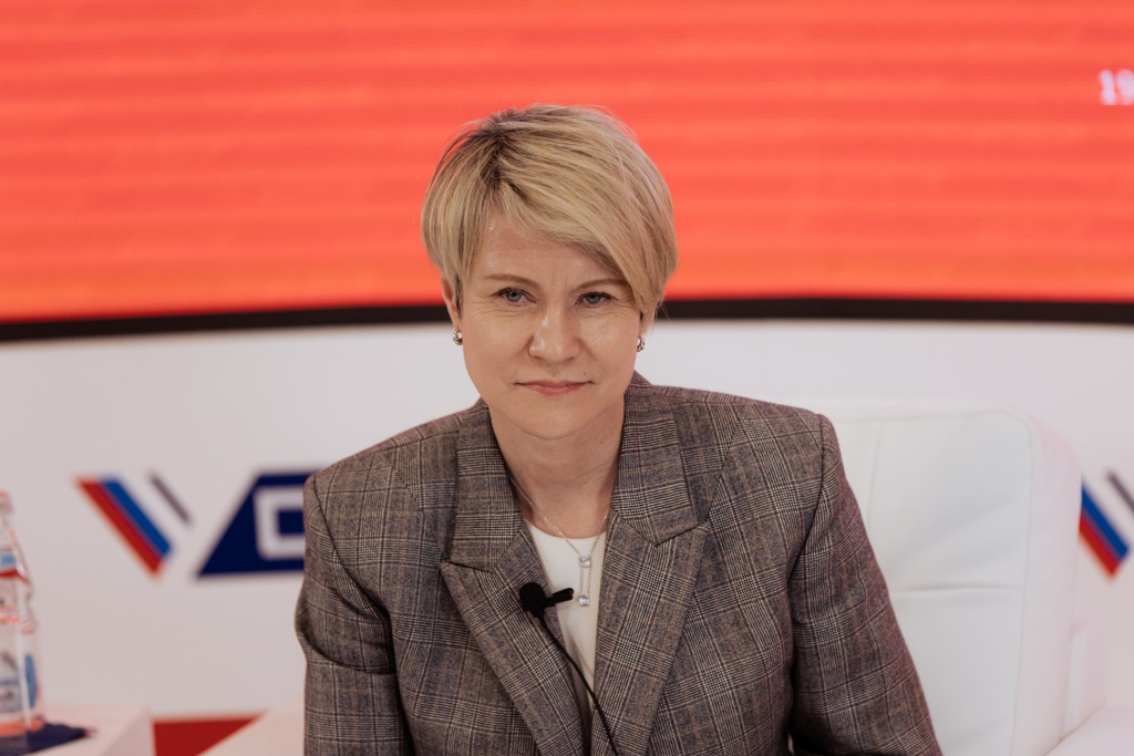 Елена Шмелева: «Российской науке нужно обеспечить высокую академическую научную мобильность»
