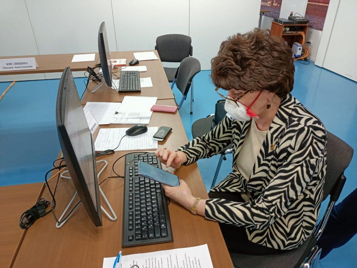 Валентина Цывова приняла участие в выборах при помощи дистанционного электронного голосования