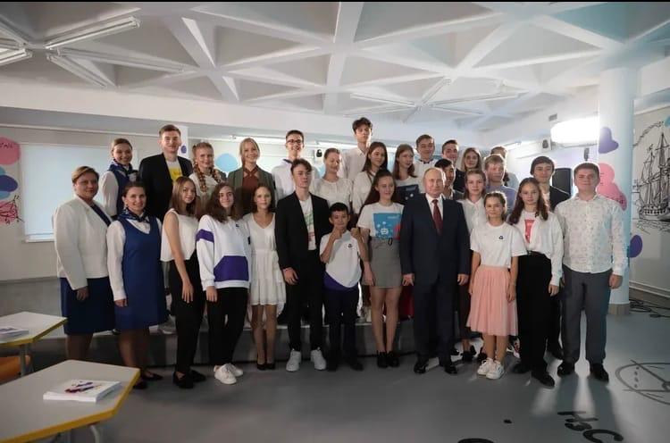 Урок мечты: нижегородская школьница рассказала президенту о спасении бездомных животных