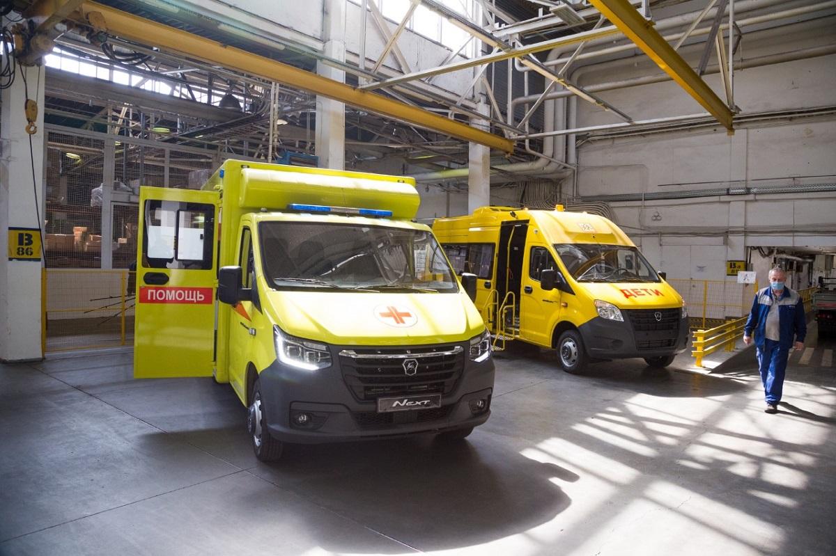 30 новых «скорых» и 137 школьных автобусов получит Нижегородская область