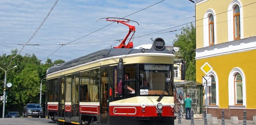 Четвертый из одиннадцати ретро-трамваев прибыл в Нижний Новгород