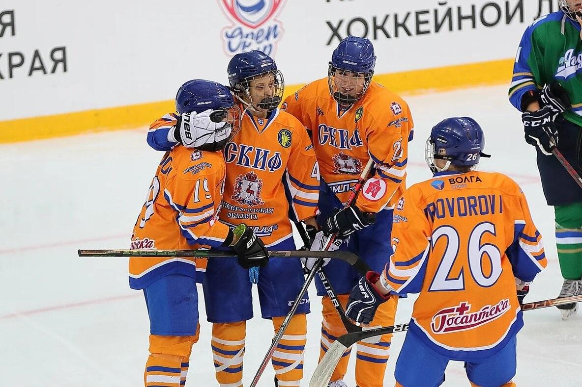 Женская нижегородская команда «СКИФ» лидирует в открытом Кубке ЖХЛ