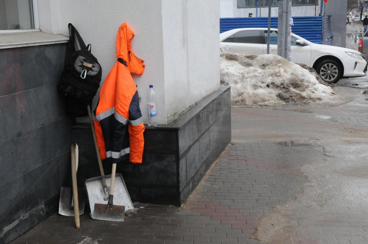 Дворник из Нижнего Новгорода присвоил себе 500 тысяч рублей за фиктивную работу
