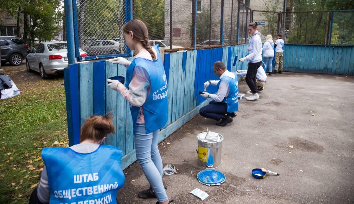 В Нижнем Новгороде продолжается ремонт хоккейных коробок