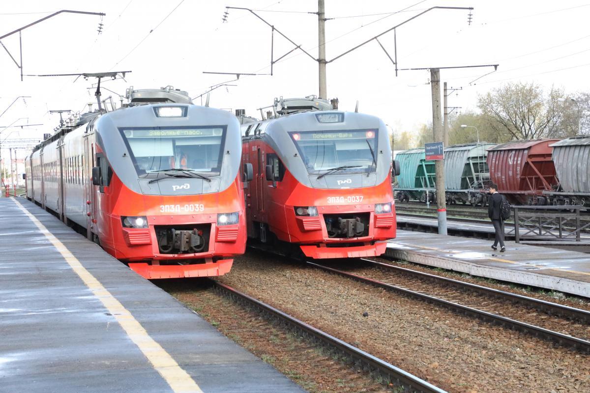 Дополнительные поезда вводятся из-за ремонта старого Борского моста