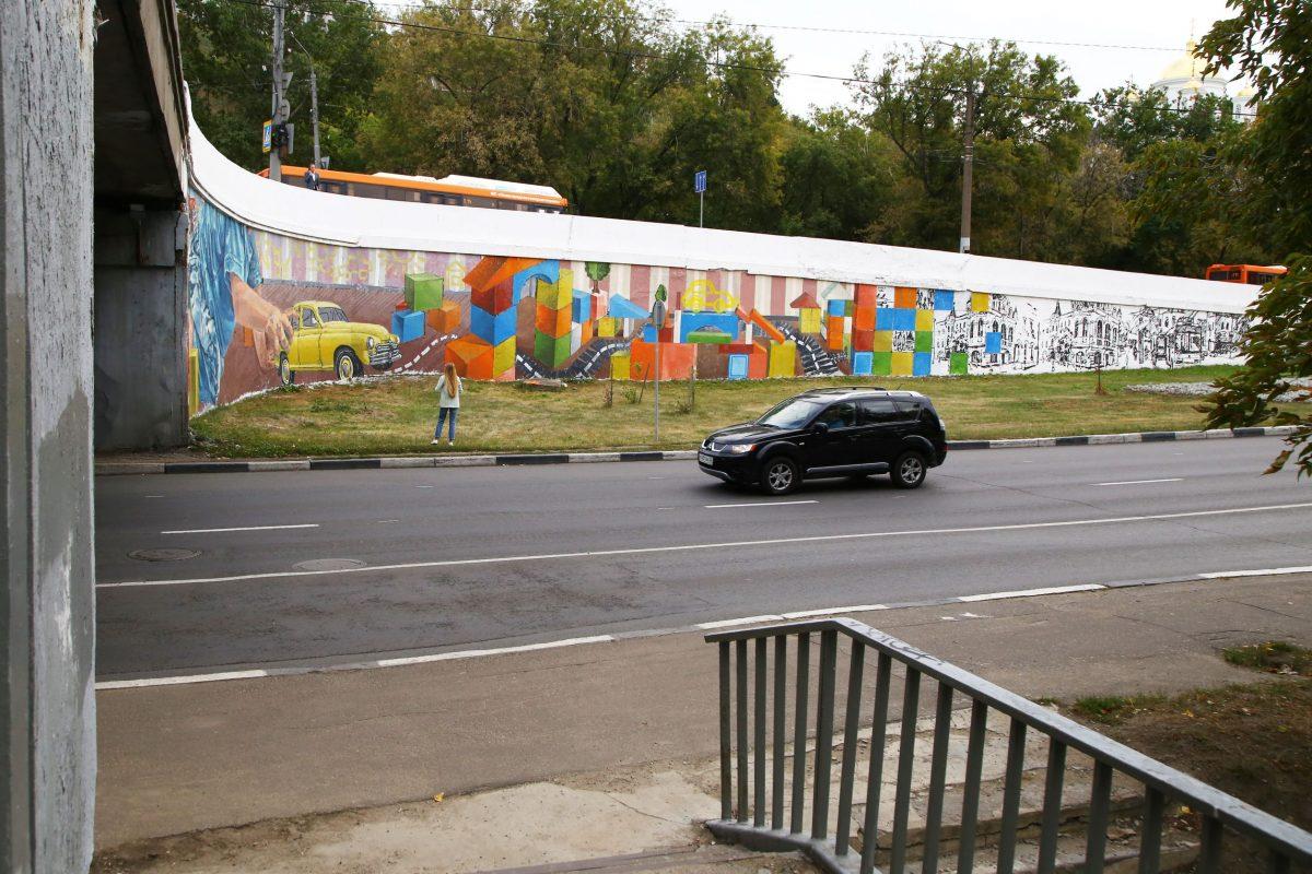Новые граффити с легендарными горьковскими автомобилями появились у Канавинского моста