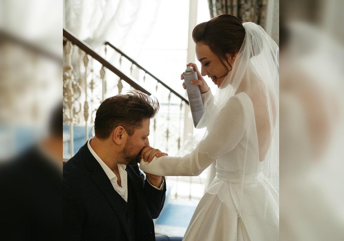 Актер и телеведущий Виктор Логинов расстался с молодой женой