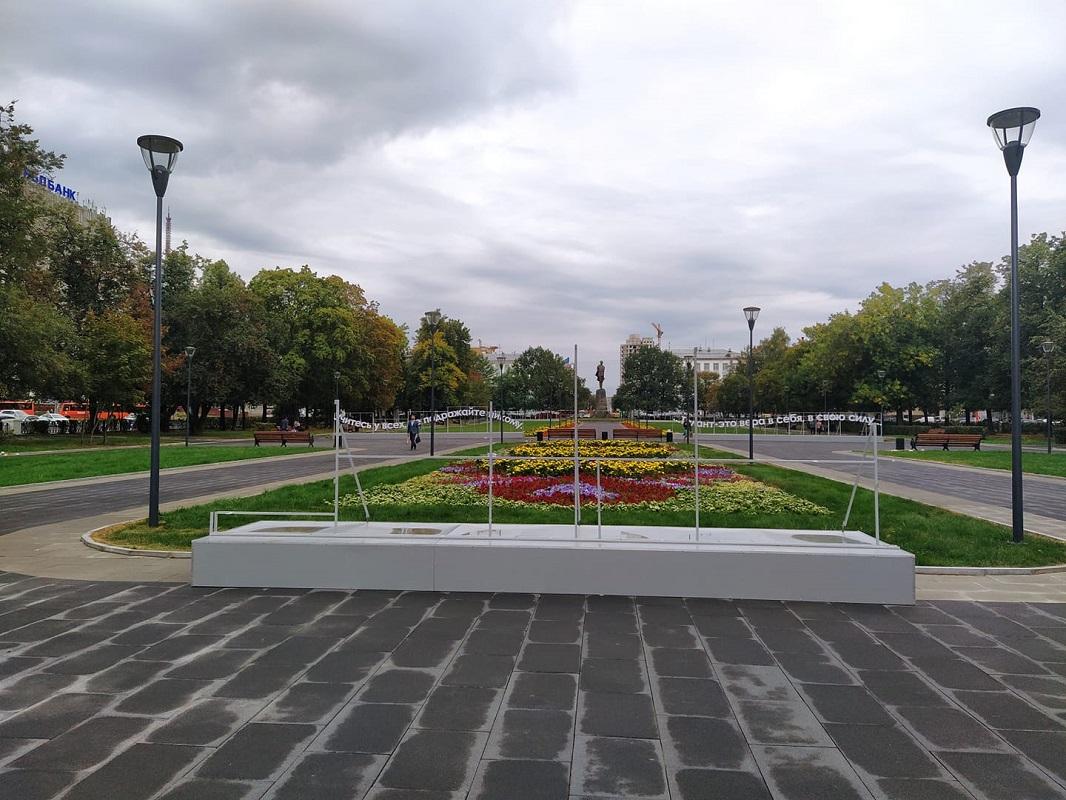 Инсталляцию с автографом Максима Горького вернут в сквер