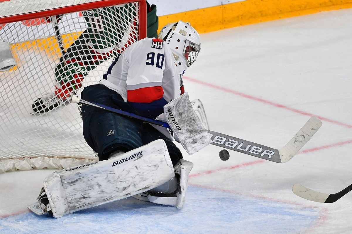Первую победу одержали хоккеисты нижегородского «Торпедо»