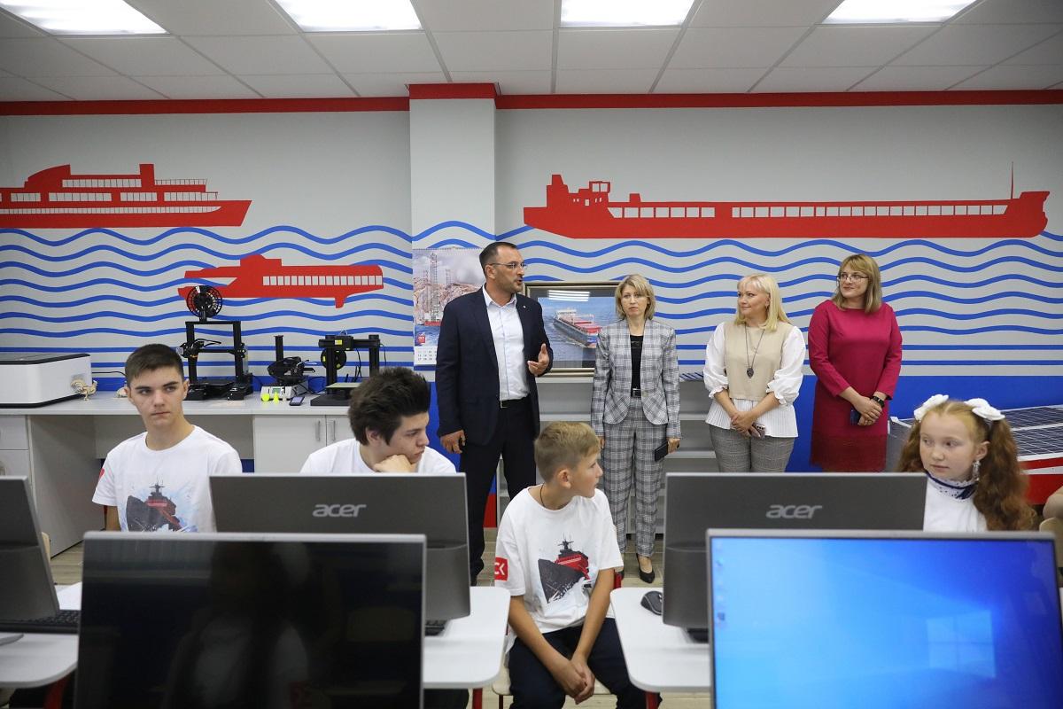 Интерактивное шоу организовали 1сентября юные корабелы нижегородской школы №79