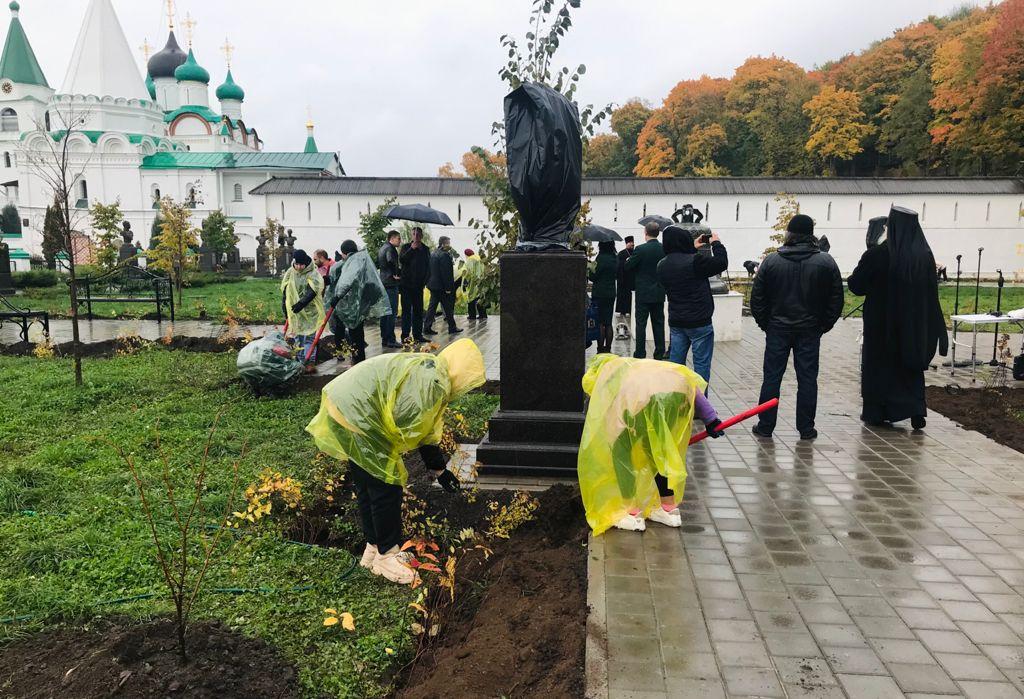 ВНижнем Новгороде состоялась акция поозеленению «Царской аллеи»