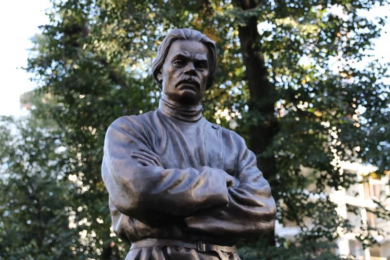 Олег Лавричев принял участие в открытии памятника Максиму Горькому в сквере «Ковалихинский»
