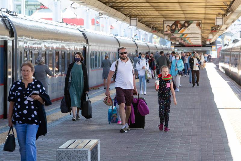 Пассажирские перевозки на Горьковской магистрали выросли на 15% в январе-августе