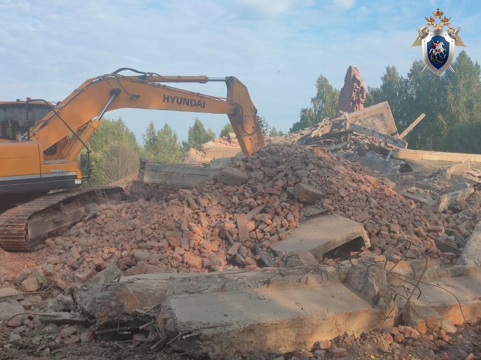 Мужчина погиб при обрушении здания старого завода в Воротынском районе
