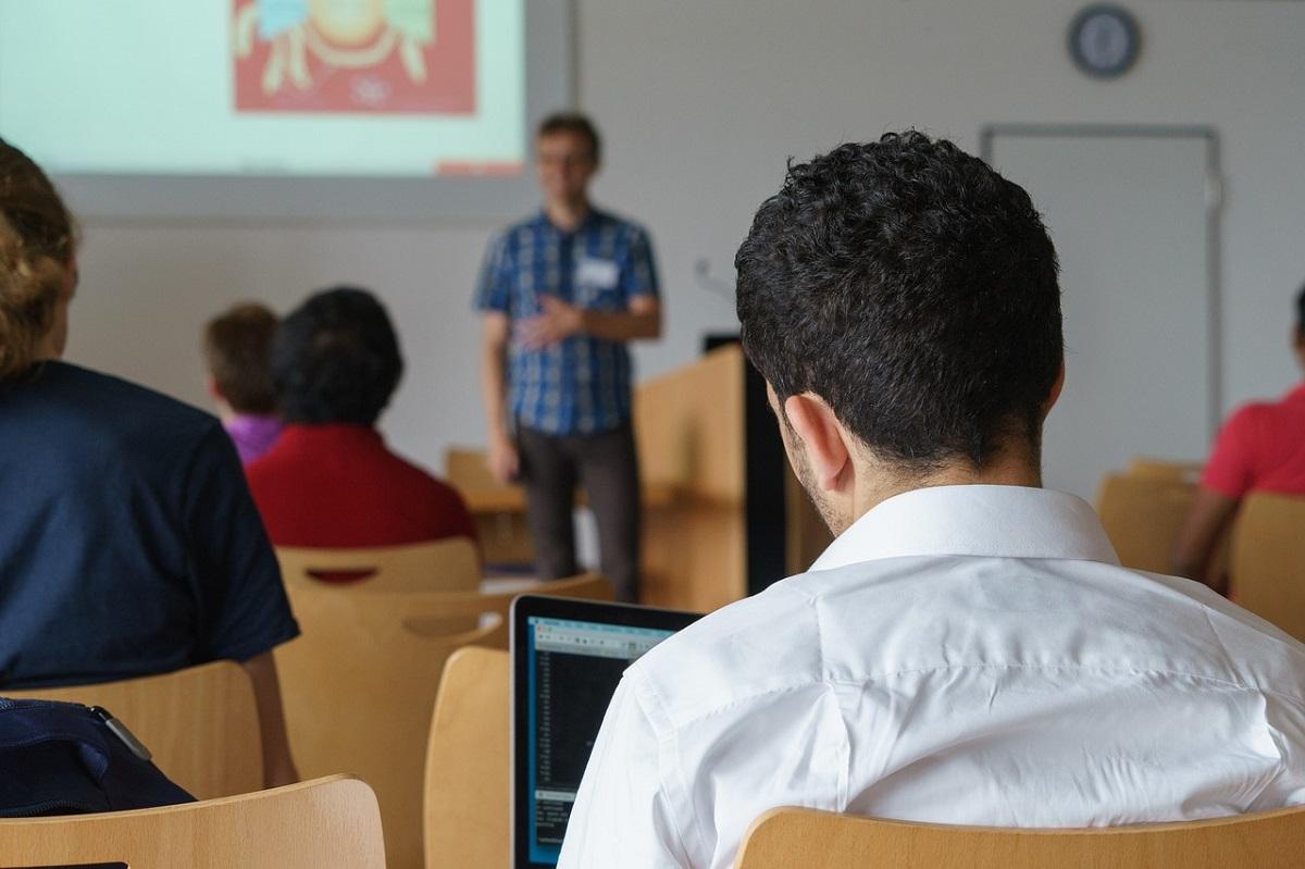 Нижегородцев приглашают вступить в «Лигу лекторов»