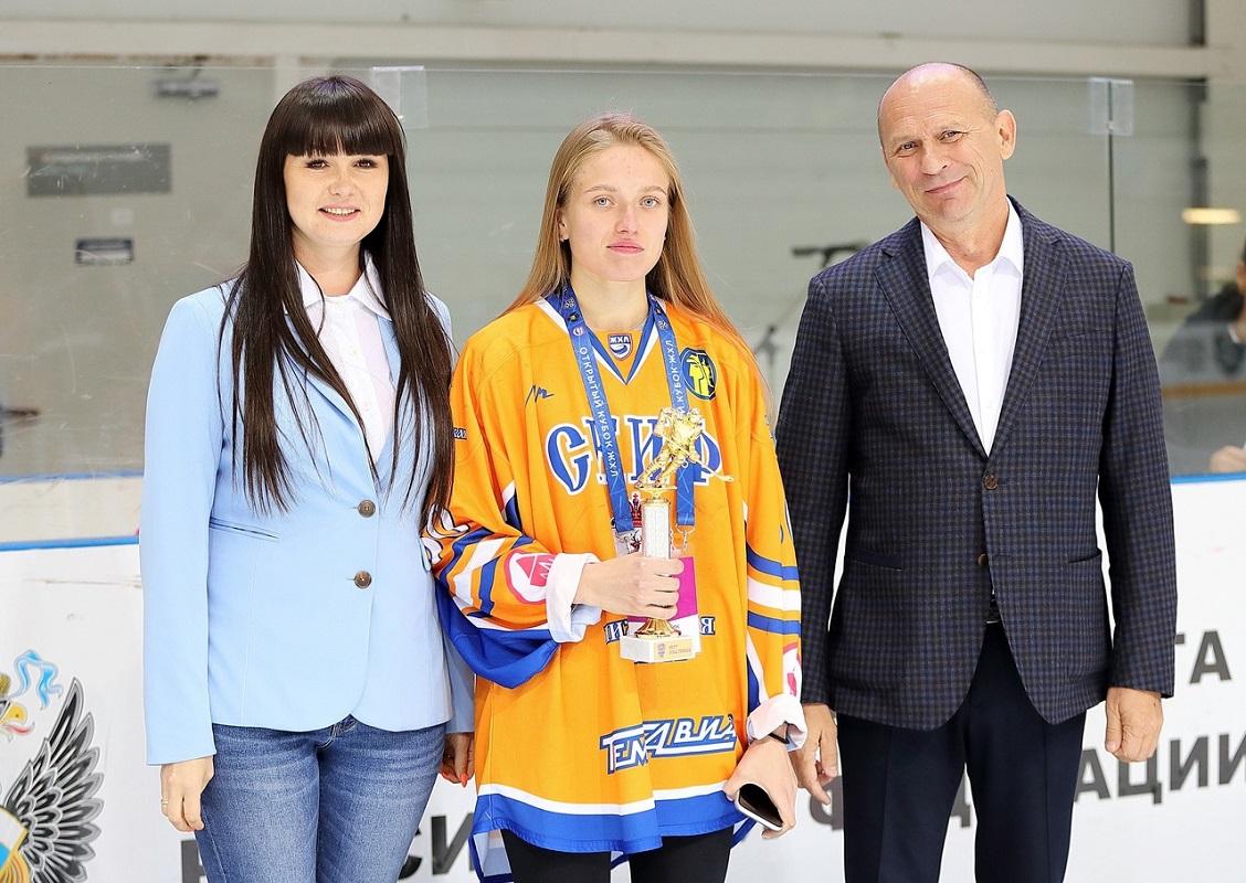 Хоккеистки нижегородского «СКИФа» выиграли серебро открытого Кубка ЖХЛ