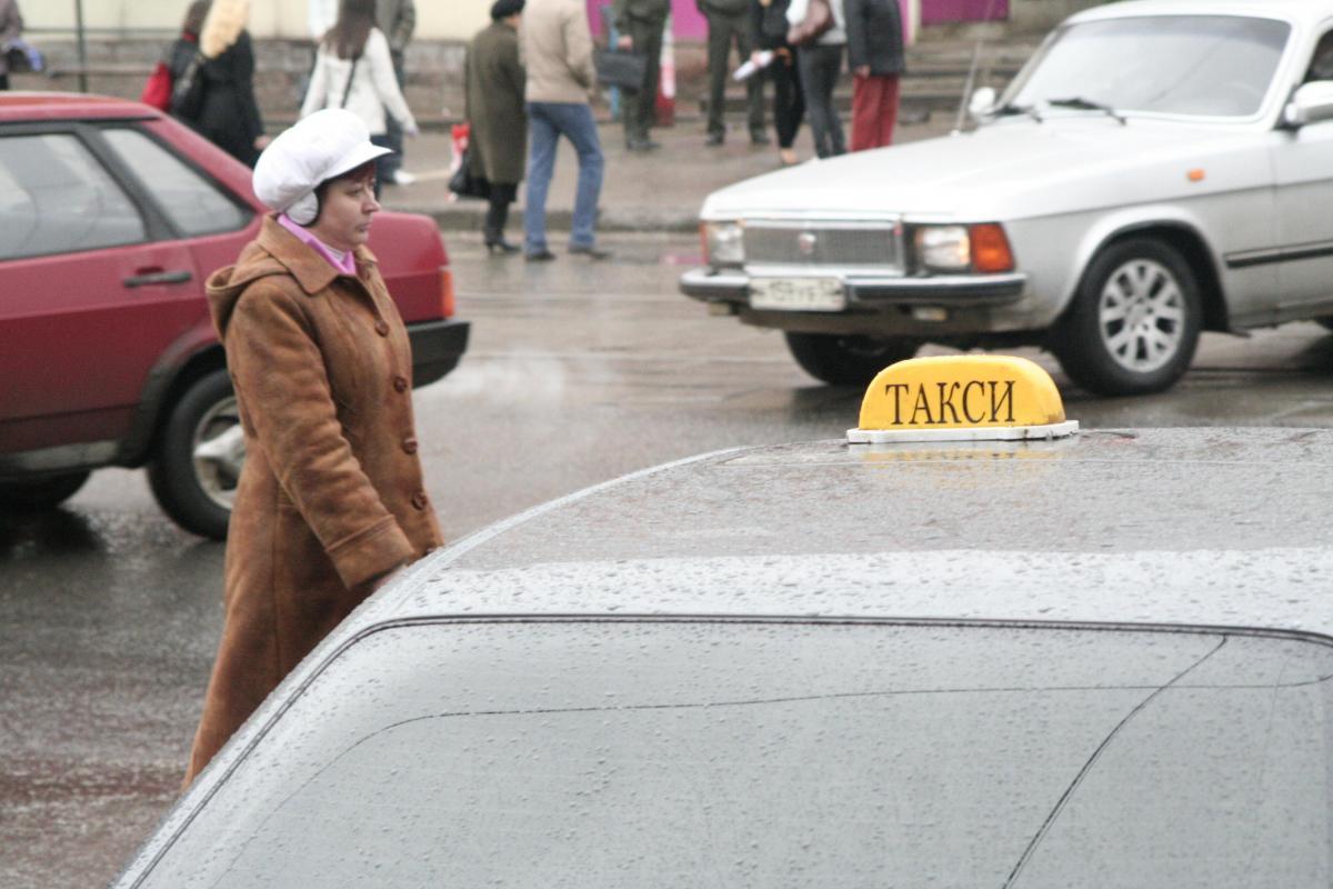 Общественники не поддержали законопроект, запрещающий людям с судимостью работать в такси