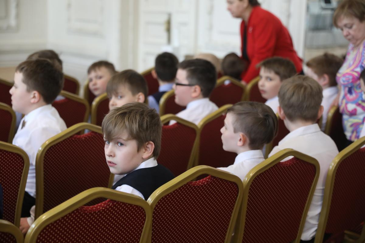 Нижегородские школьники смогут принять участие впроекте для юных талантов «Первый шаг»