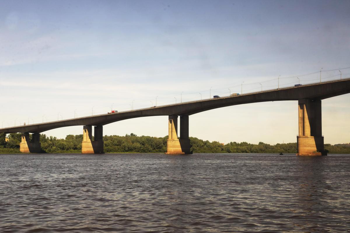 Пенсионер погиб в ДТП на Мызинском мосту