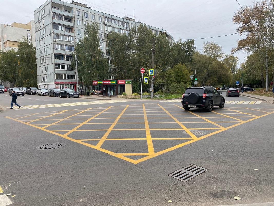 «Вафельная» разметка впервые появилась в Нижнем Новгороде на пересечении улиц Ковалихинской и Семашко