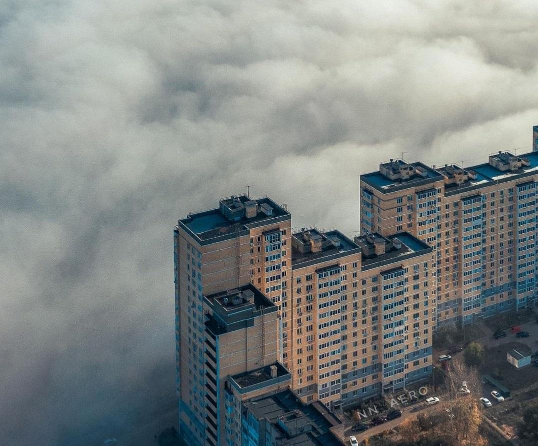Осенний туман окутал Нижний Новгород
