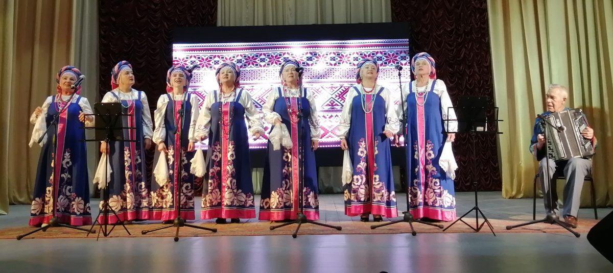 Бабушкин квадрат, викинги с палками и онлайн-творчество: в области отмечают День пожилого человека