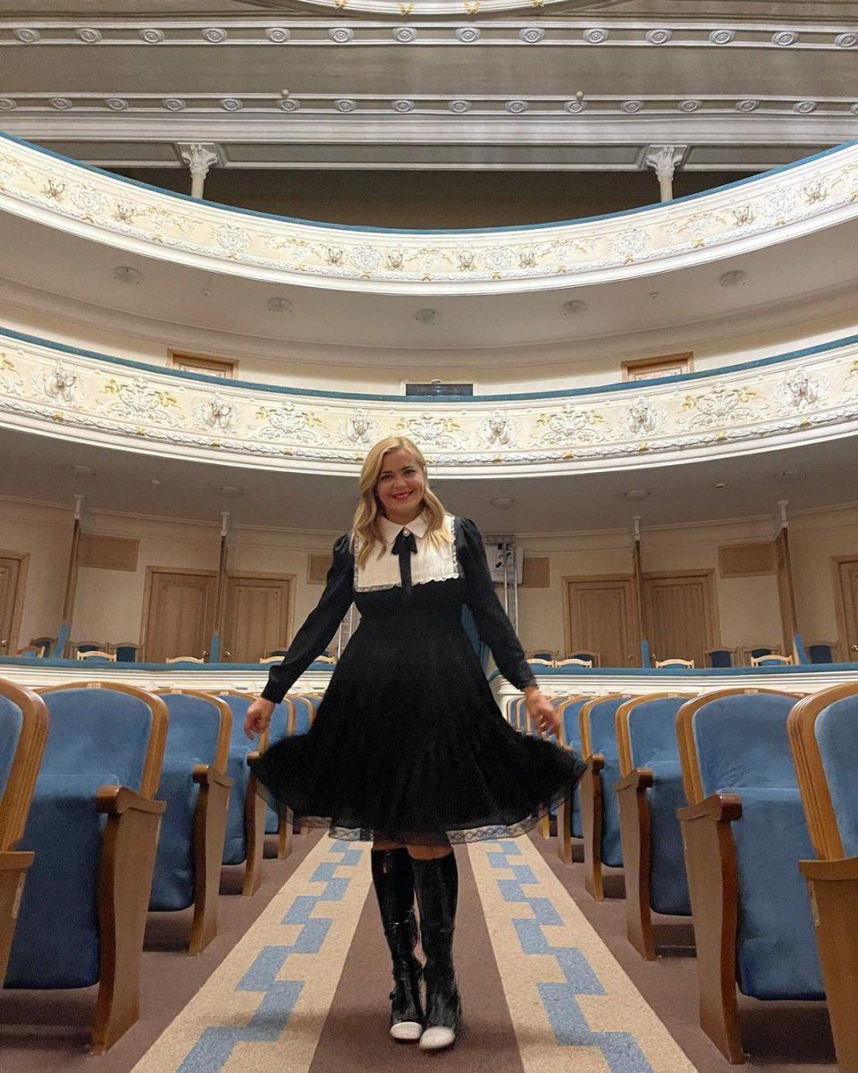 Ирина Пегова прогулялась по историческому центру Нижнего Новгорода