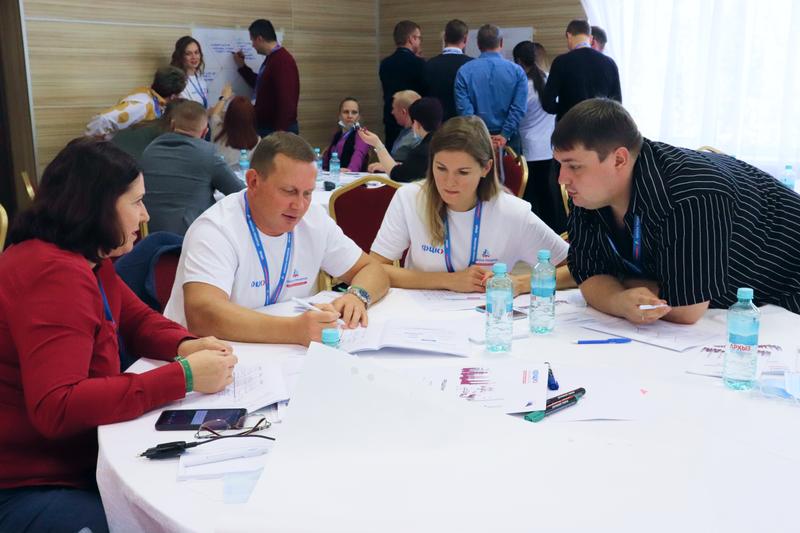 Сотрудники более 20 нижегородских предприятий-участников нацпроекта «Производительность труда» прошли «Школу тренеров»