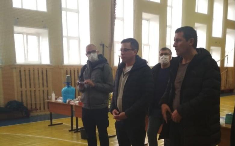 Жильцам одного издвух эвакуированных подъездов в доме на улице Гайдара разрешили вернуться всвои квартиры после хлопка газа
