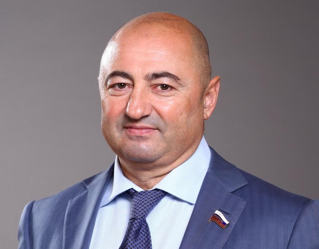 Александр Вайнберг наделен полномочиями сенатора Российской Федерации
