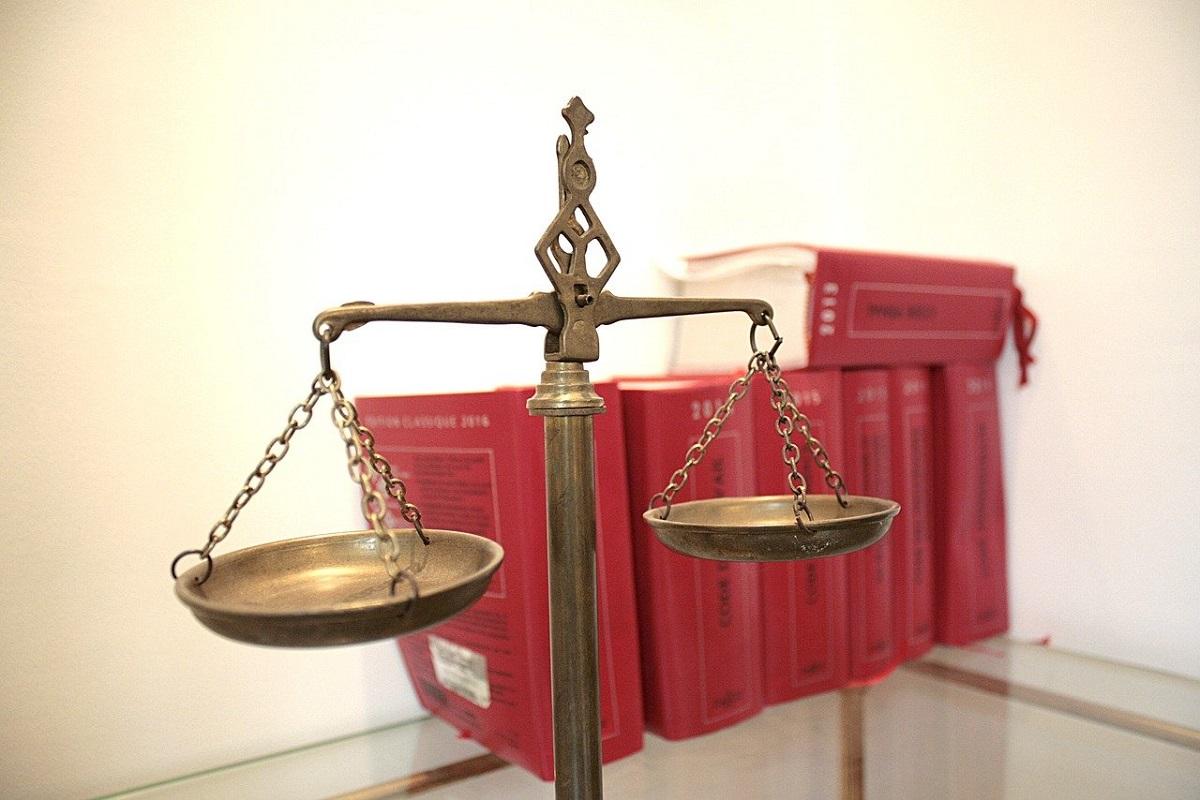 По каким критериям выбрать юриста