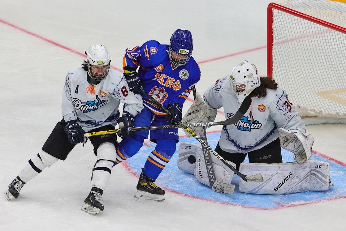 Хоккеистки нижегородского клуба «СКИФ» провели серию домашних игр