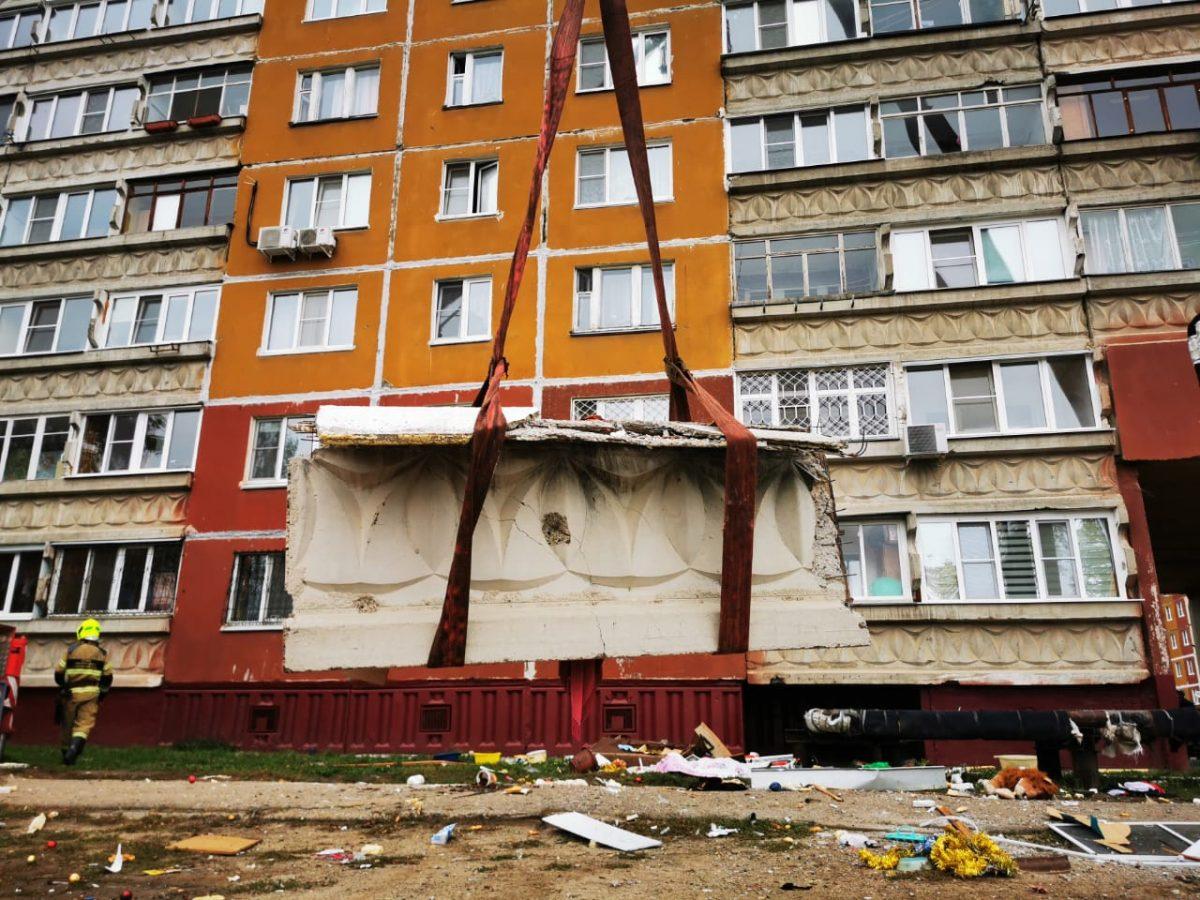 Балконную плиту демонтировали в доме на улице Гайдара после хлопка газа