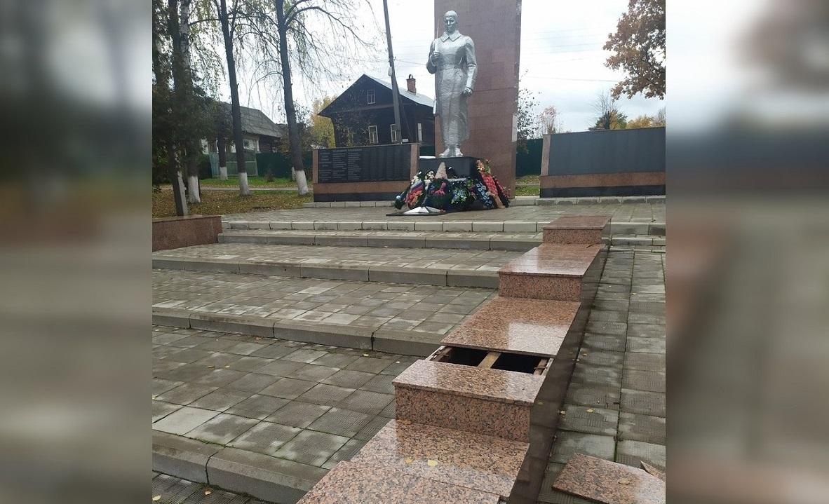 В Ветлуге повредили мемориал воинам Великой Отечественной войны