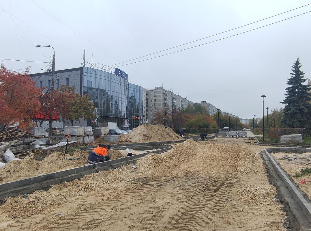 Администрация возобновила благоустройство проспекта 70 лет Октября в Сормовском районе