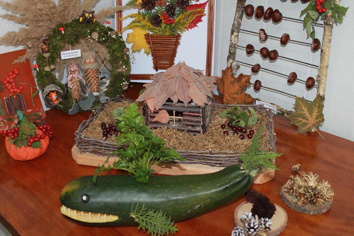 Дети сотрудников нижегородской колонии создали выставку поделок «Осеннее очарование»