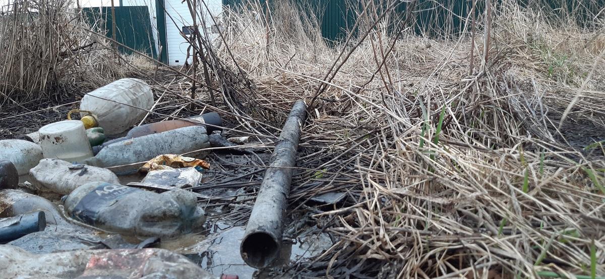 Житель Кстова незаконно сливал в яму опасные жидкие отходы