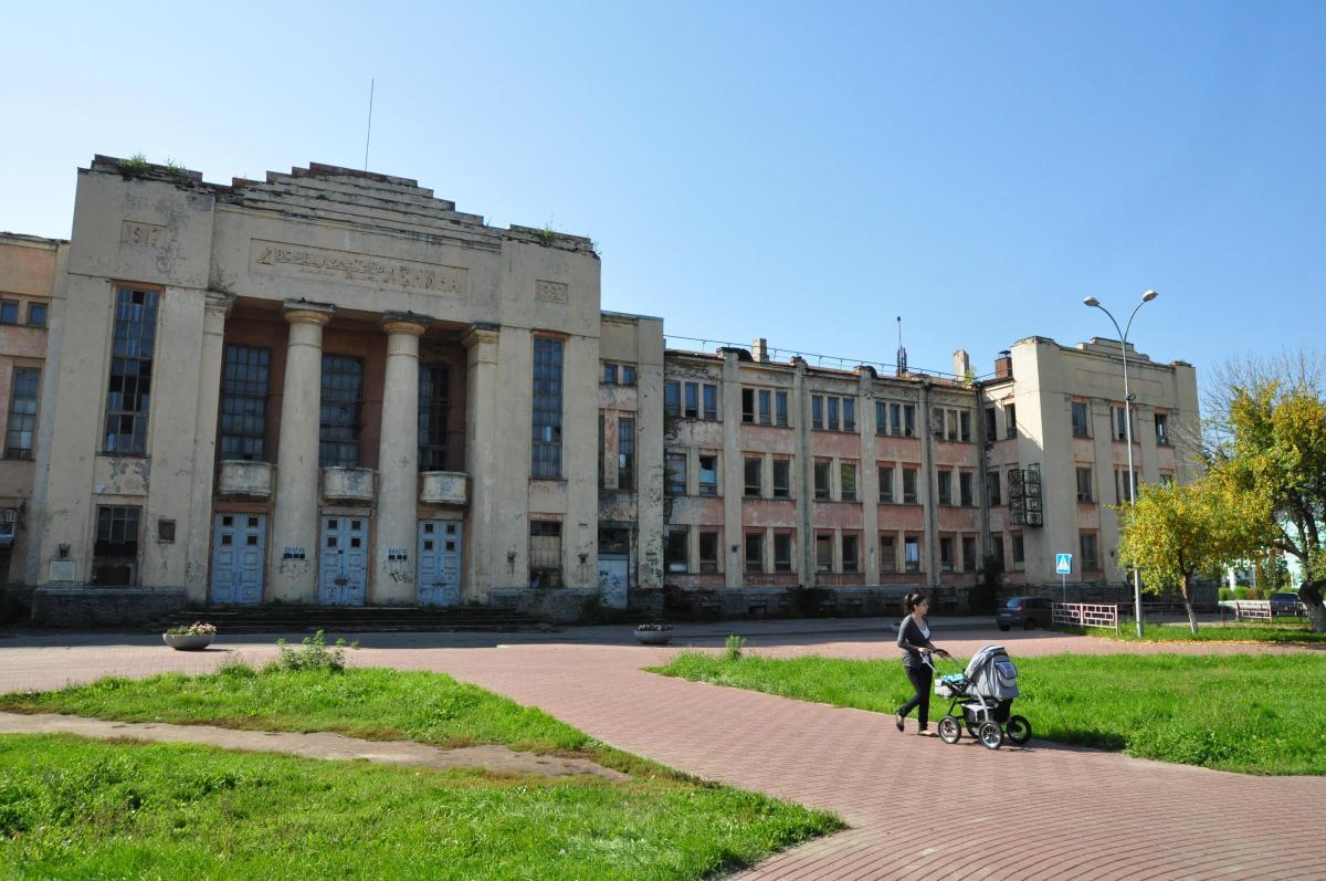 Пожар в ДК имени Ленина в Нижнем Новгороде тушили почти 6 часов