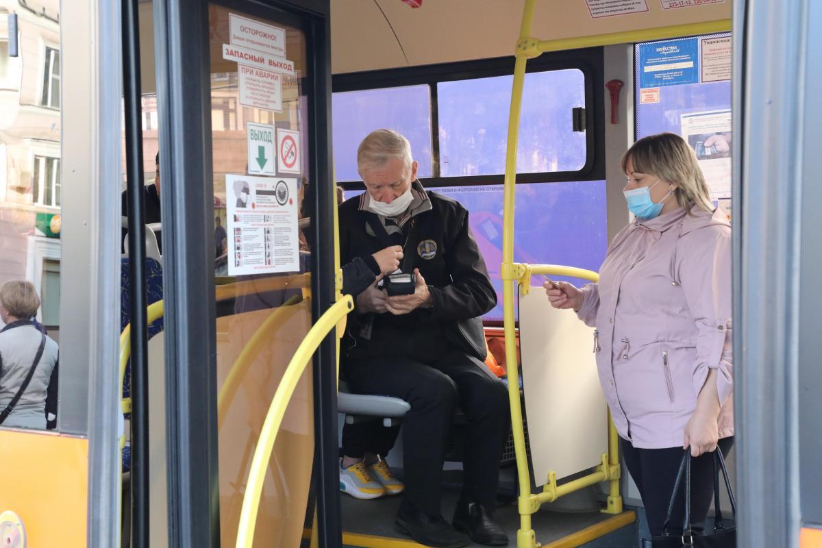 Десять нижегородских перевозчиков получили предупреждения от Минтранса занесоблюдение масочного режима