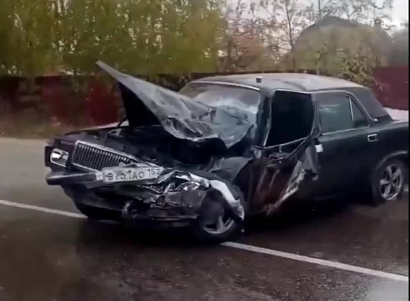 Водитель «Волги» столкнулся с автобусом в Автозаводском районе
