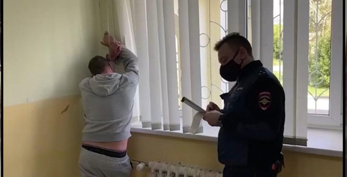 Пьяному водителю из Дзержинска грозит штраф за оскорбление полицейских